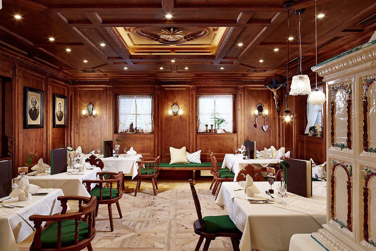 Zirbenstube im Wanderhotel Kirchner - Urlaub in den Kitzbüheler Alpen
