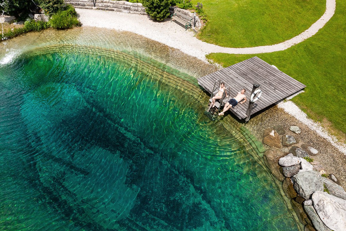 Hotel mit Natur-Badesee